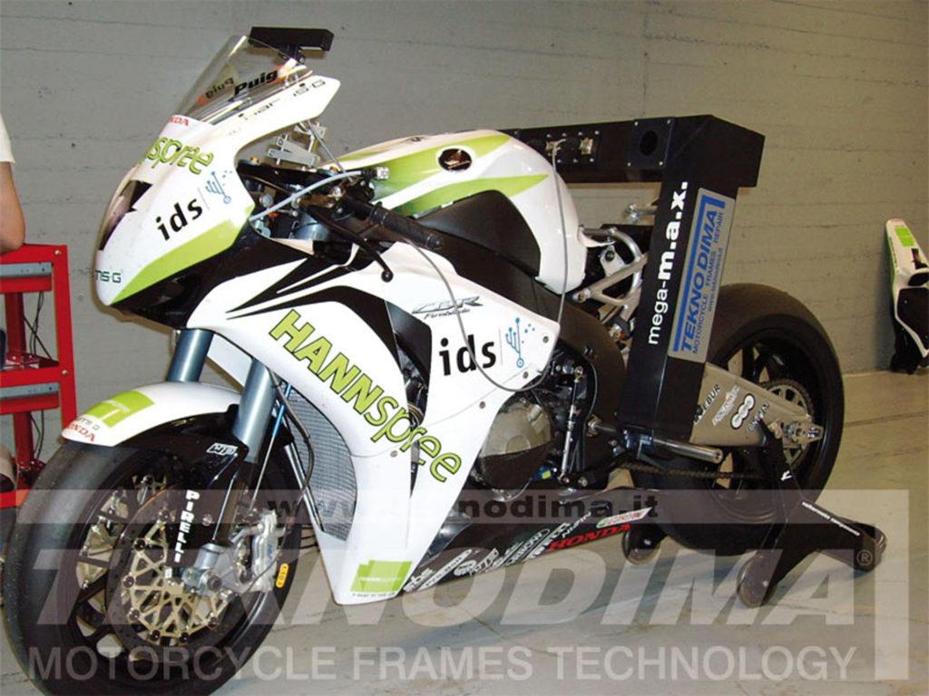 teknodima-superbike-misurazioni-controllare-misure-telaio-moto-sbk