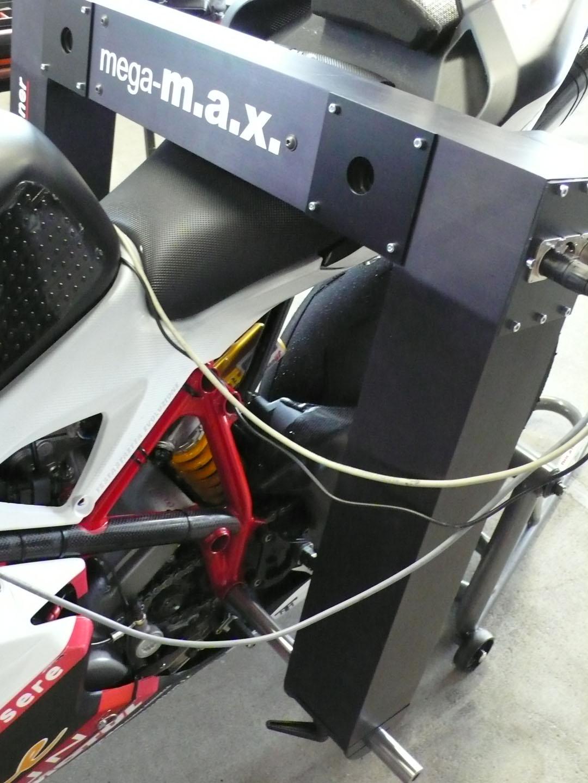 mega m.a.x. su moto montata